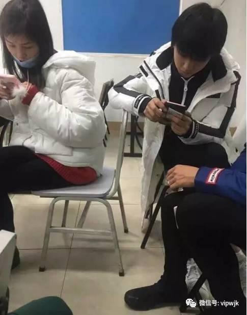 王俊凯考试不忘撩妹 粉丝大呼吃醋
