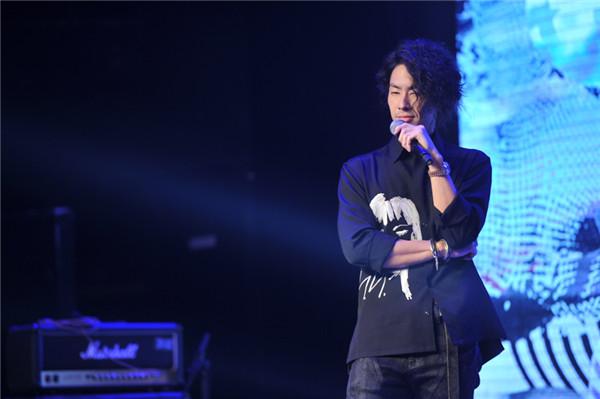 吴建豪举办新专辑《#MWHYB音乐不羁》音乐分享会